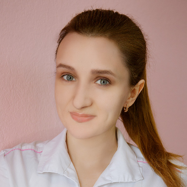 Врач-стоматолог Кортункова